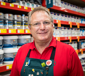 Bunnings UK & Ireland MD PJ Davis is set to take a three-month break from mid-January