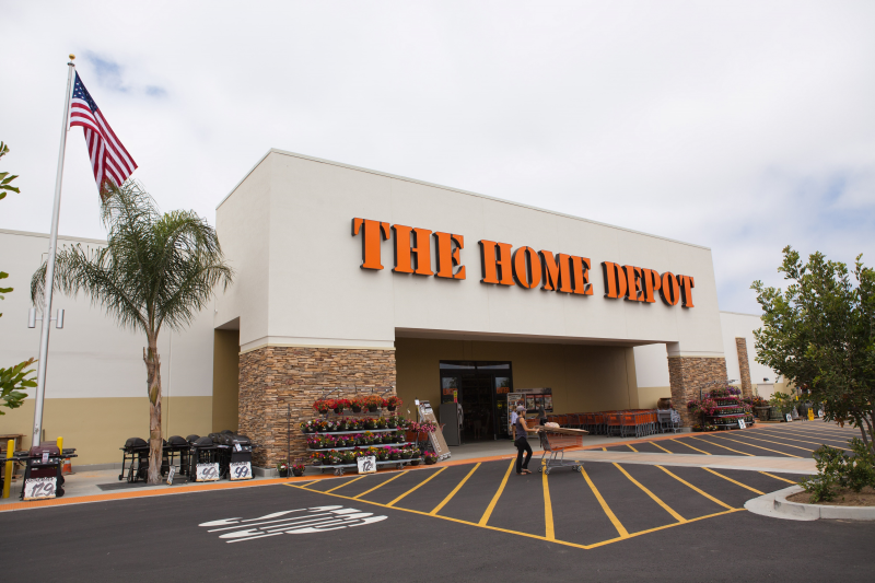 Dec 21,  · Home Depot, best known for its giant stores filled with tools, lumber and home remodeling products, is buying home decor and textiles online retailer called The Company Store.
