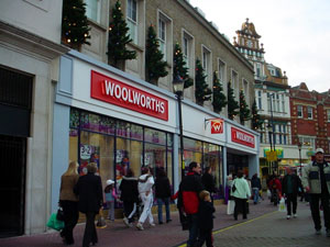 Woolworths takeover talks ongoing