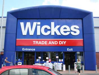 Wickes mops up sales left by demise of MFI
