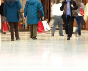 Prolonged cold snap stagnates sales on the high street