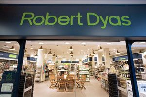 Steven Round in shock exit from Robert Dyas