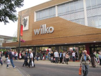 The new Wilko attracted a massive crowd in Crawley's Broadway shopping precinct