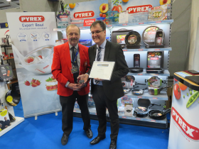 L-R: Home Hardware Southwest's David Adams and Pyrex's Stephen Fennell pictured on the winning stand