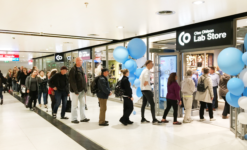 Shoppers queue outside Clas Ohlson