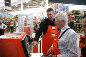 The man who put the Q in B&Q visits latest store